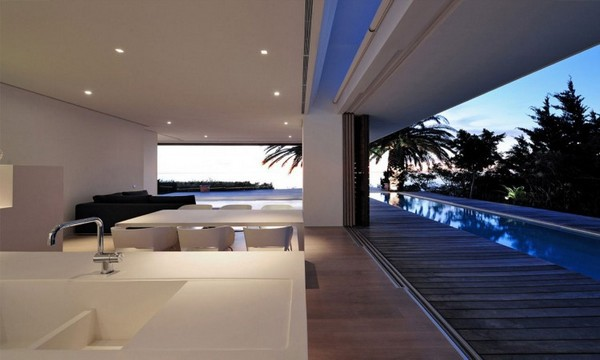 Impressive-Modern-Home-in-South-Africa-by-Luis-Mira-Architects-12