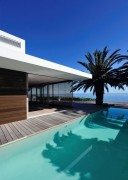 Impressive Modern Home in South Africa by Luis Mira Architects 2