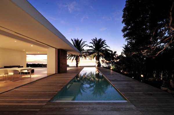 Impressive-Modern-Home-in-South-Africa-by-Luis-Mira-Architects-3