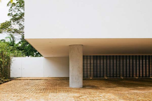 Music Meets Nature Santa Amaro House by Isay Weinfeld 10 Music Sets the Tone Here