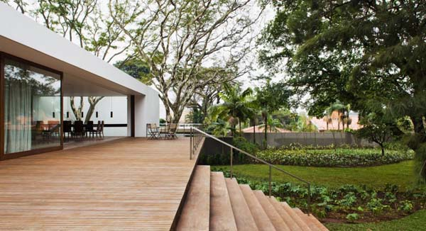 Music-Meets-Nature-Santa-Amaro-House-by-Isay-Weinfeld-2