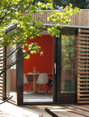 Office and Guest House in a Modern Garden Pavilion 2