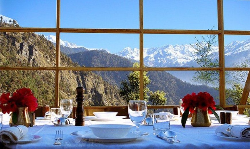 A Luxury Abode in the Lap of the Himalayas