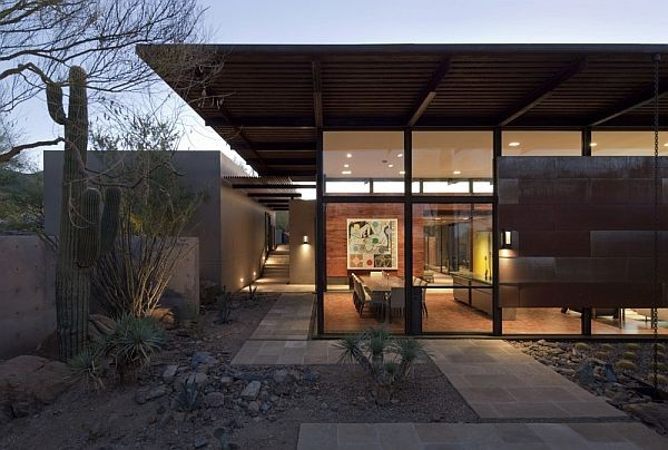 The Brown Residence  Spacious desert home in Arizona: The Brown Residence