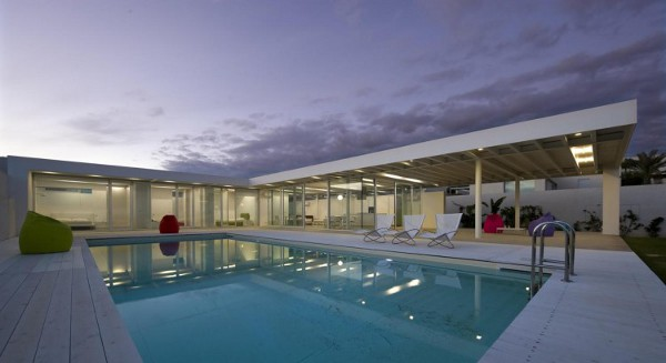 Villa-GM-by-Architrend-Architecture-16