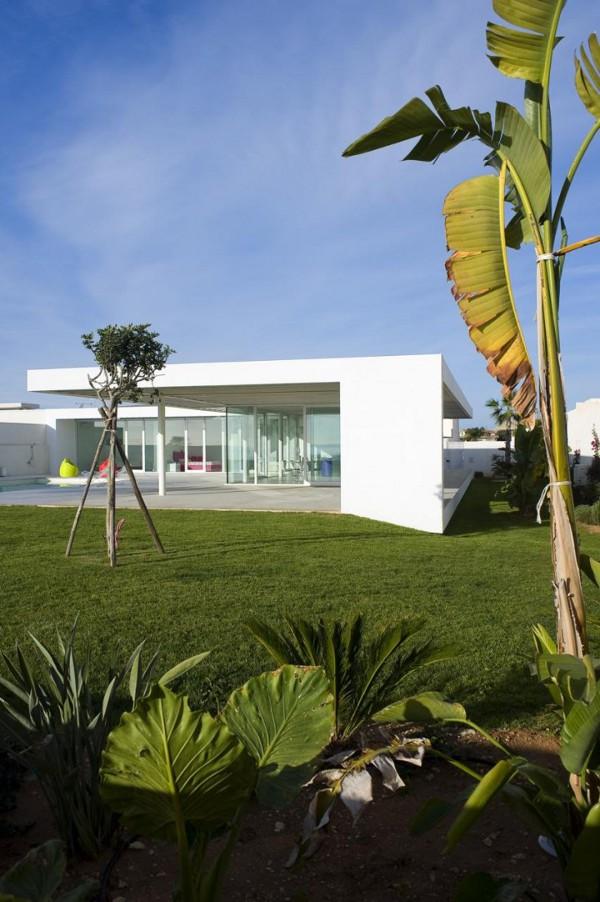Villa-GM-by-Architrend-Architecture-2