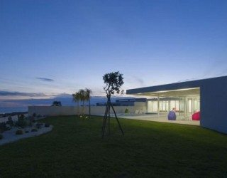 Magnificent Sicilian House is Like a Hanging Garden Pavilion