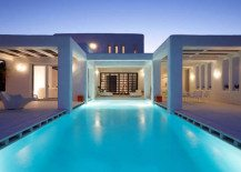 The fantastic White Cycladic House under the Aegean sun