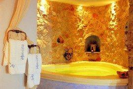 Santorini Astarte Suites: A Honeymooner's Delight