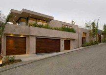 1525 Blue Jay Residence Packs Eco-Friendly Properties