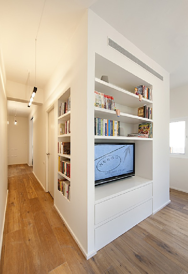 Small Multi Functional 40 Square Meter Apartment In Tel Aviv
