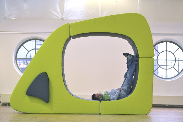 CUBE 11 Melted CUBE Seating Unit is Extremely Flexible [Video]