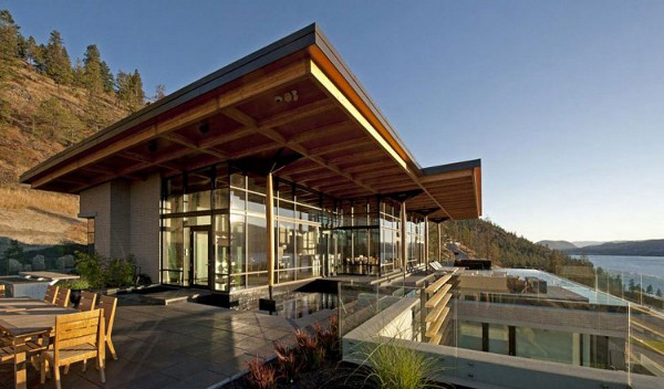 Custom Private Home in British Columbia by David Tyrell Architecture 2