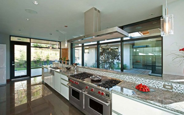 Custom Private Home in British Columbia by David Tyrell Architecture 20