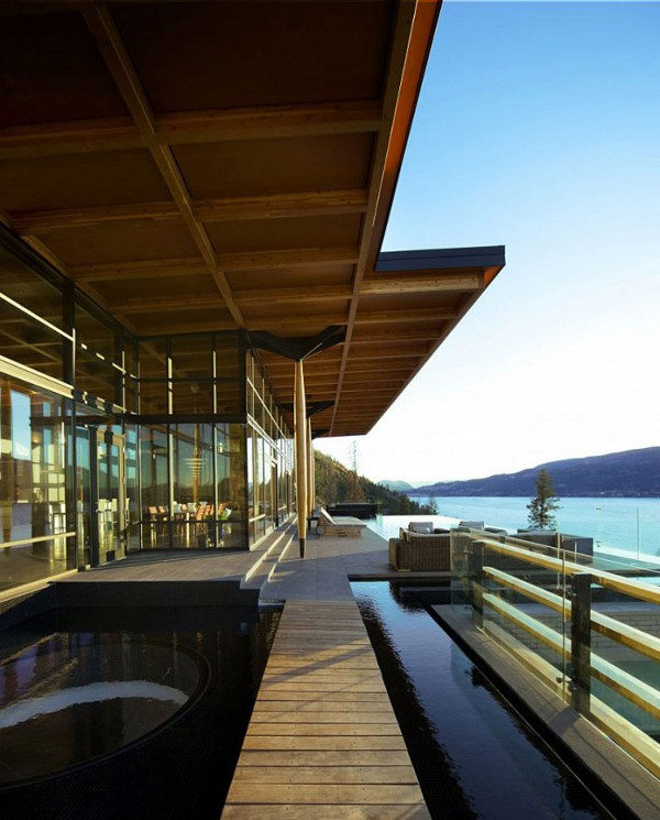 Custom Private Home in British Columbia by David Tyrell Architecture 3