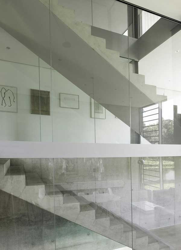 Four-Story-High-House-R-by-Architect-Roger-Christ-29