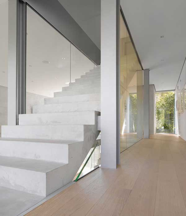 Four-Story-High-House-R-by-Architect-Roger-Christ-32