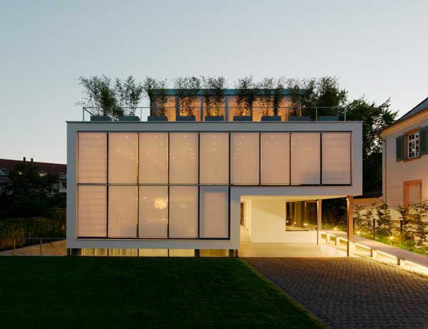 Four-Story-High-House-R-by-Architect-Roger-Christ-5