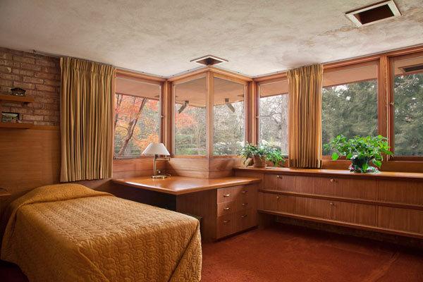 Frank Lloyd Wright's Kenneth Laurent House  10