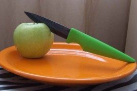 Vivid and powerful: the Ceramic Lime Chef's Knife and Utility Knife