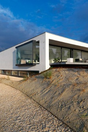 Beach inspired residence in breda netherlands by grosfeld - Maison rogers sturz michael lee architects ...