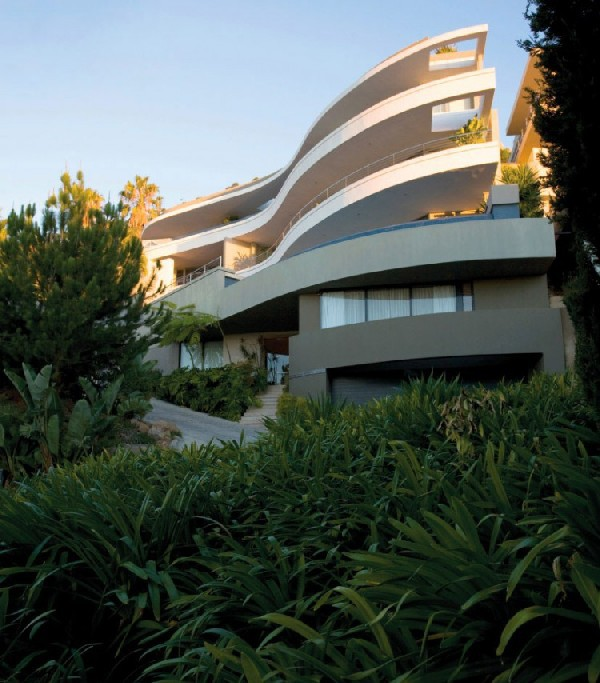 La Grande Vue 5A residence 1 La Grande Vue 5A Residence in Cape Town Emanates Charm