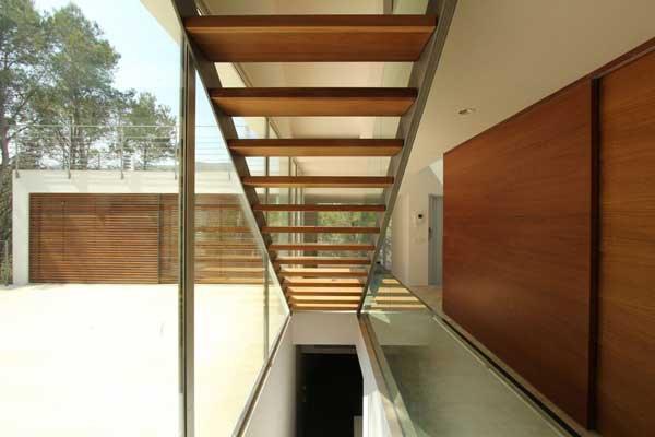 Mallorcan-Residence-Among-Robust-Pines-and-Holm-Oaks-10