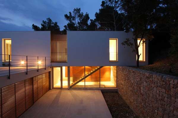 Mallorcan Residence Among Robust Pines and Holm Oaks 3