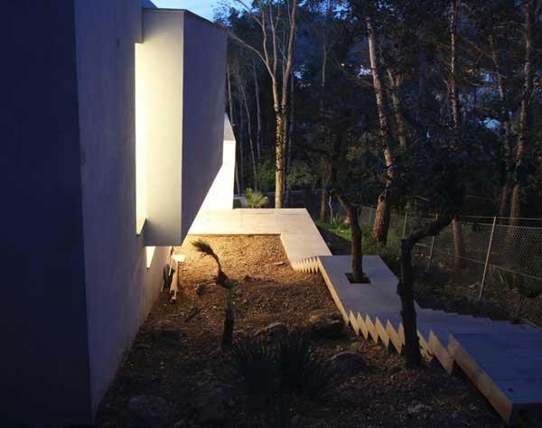 Mallorcan Residence Among Robust Pines and Holm Oaks 4