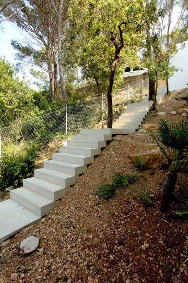 Mallorcan-Residence-Among-Robust-Pines-and-Holm-Oaks-5