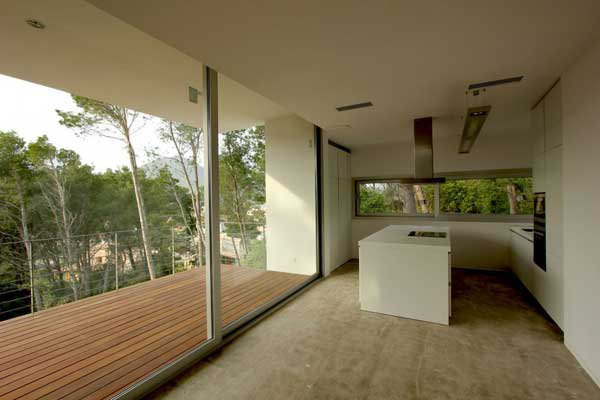 Mallorcan-Residence-Among-Robust-Pines-and-Holm-Oaks-7