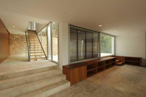 Mallorcan Residence Among Robust Pines and Holm Oaks 8