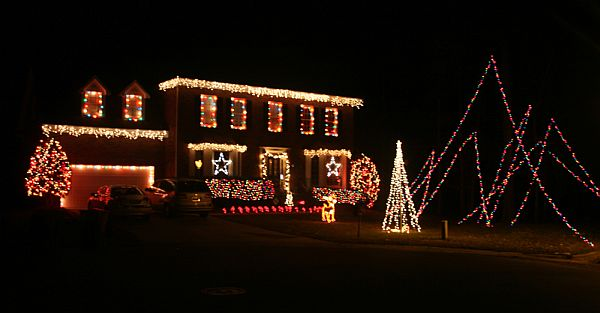 view in gallery - Outdoor Christmas Decorating Ideas Pictures