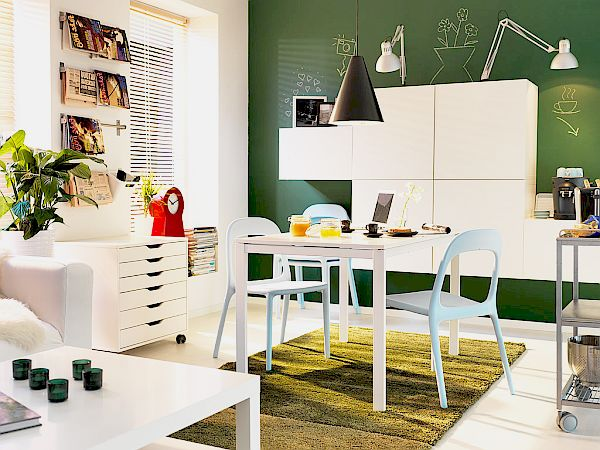 Small space dining rooms decorating ideas for Small dining room storage ideas