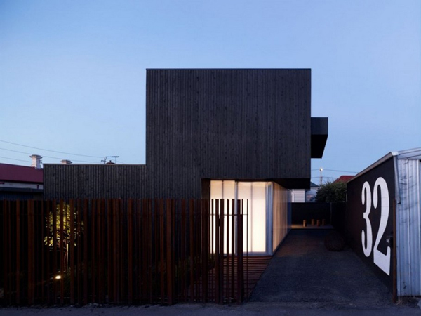 The Lily Street House 2 Dark cladded facade sheltering bright interiors: Lily Street House