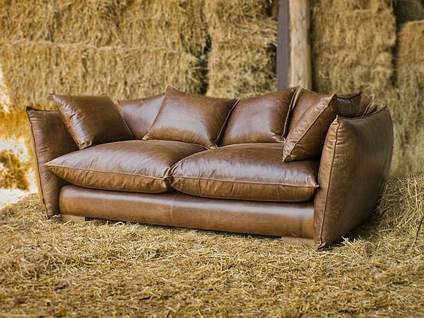 Vintage style leather sofas could add to the retro look Retro loveseats