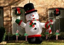 Outdoor Inflatable Decorations for the Christmas Season