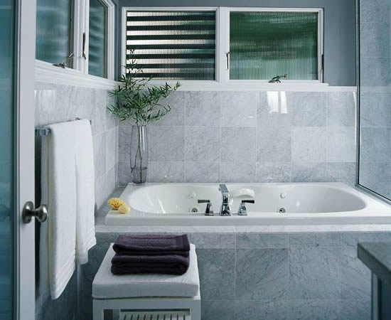 gray white bathroom