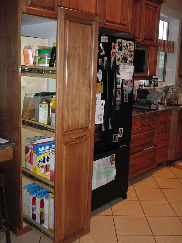 kitchen pullout and drawers 1 Kitchen Storage Ideas: Organize Drawers & Pullout Pantries