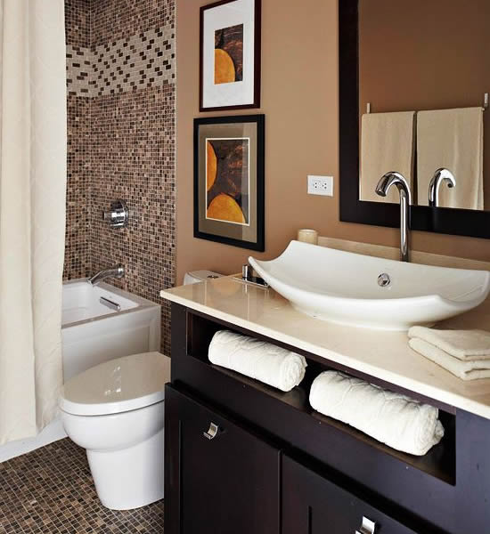 10 stylish colored bathrooms modern sleek combinations for Brown and white bathroom accessories