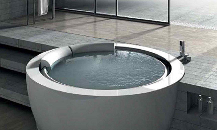 Unique Round Whirlpool Bathtub is Inviting