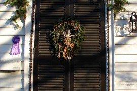 Ideas for Christmas Door Decorations