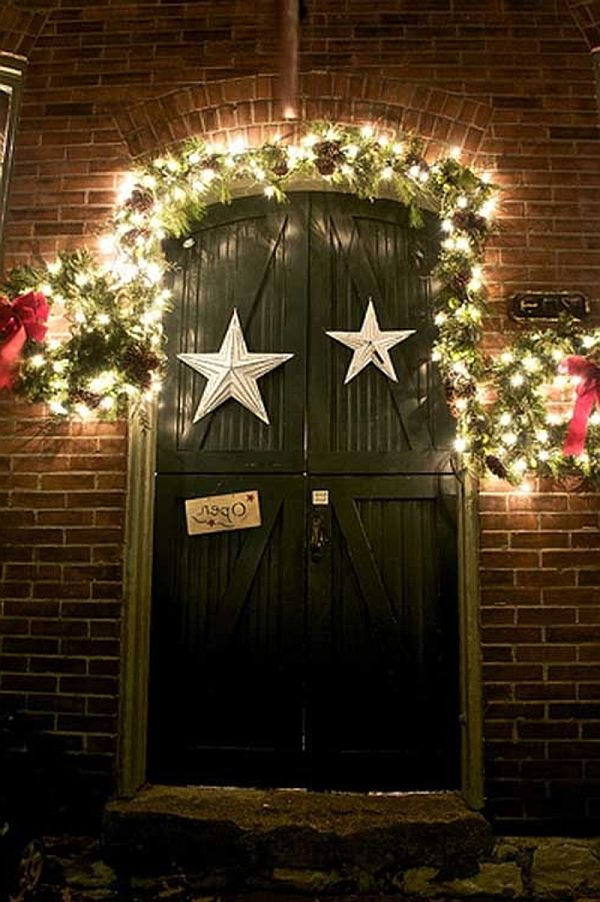 25 fancy door decorating ideas creativefan for Door decorations for christmas