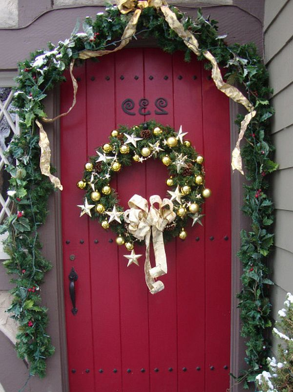 Christmas door decorations decoist for Door xmas decoration ideas
