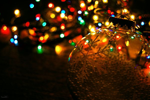Lighting ... - Christmas Lights: The Ultimate Way To Decorate Your Home