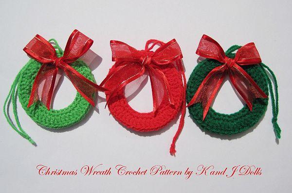 Free Crochet Pattern Christmas Tree Decorations : Crocheted Christmas Tree Ornaments