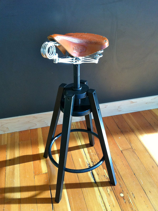 Dalfred Stool 1 Dalfred Stool Sports a Creative Design
