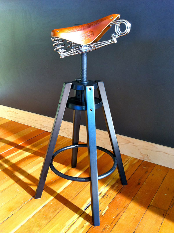 Dalfred Stool 2 Dalfred Stool Sports a Creative Design