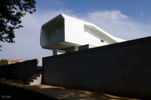 Fez House 1 Fez House by Alvaro Leite Siza Vieira is a Laboratory of Dreams