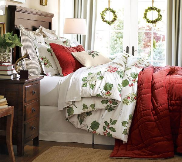 Green white and red bedroom with Christmas theme Christmas Themed Bedding For a Cozy Bedroom
